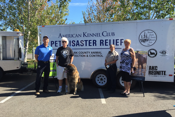 Clark-County-Paul-Scarpelli,-Don-James-(GCCKC-Vice-President,-Leonberger-Delegate),-Officer-Trisha-Kraff,-and-Karen-Burgess
