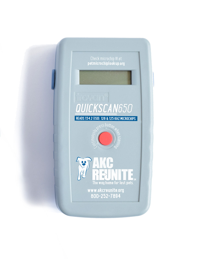 AKC Reunite QuickScan 650 Universal Pet Microchip Scanner